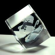 Cube en verre à pan coupé 3D