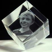 Cubes en verre 3D à pan coupé <br />(Grand format)